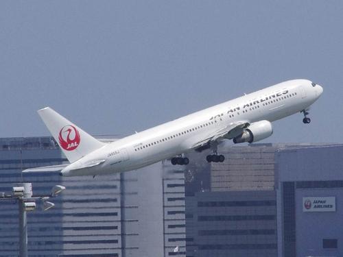 JAL B767-300 JA655J