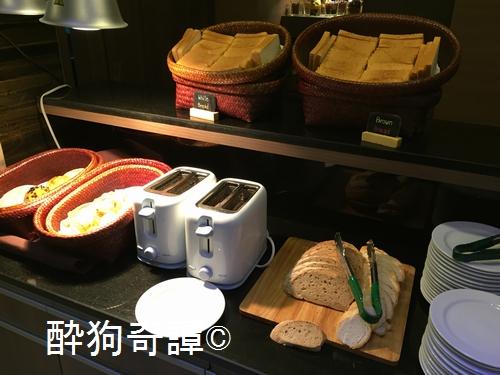 ASPEN SUITE breakfast