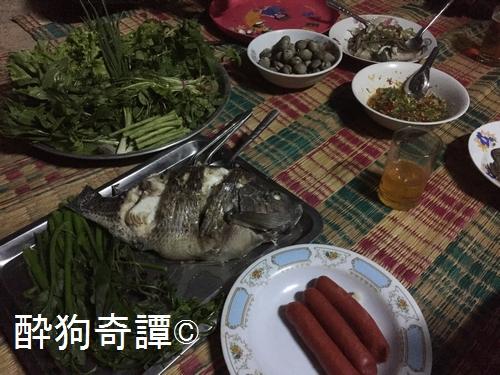 Anatcharoen 夕食